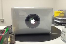 تجربة ستيكرات MacBook Pro على عدسه .. وسنو وايت !