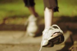 فيلم قصير : حذائي .. قصة الولد الفقير !