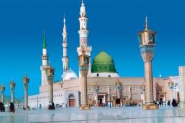 """فيديو : اضافة """" الصلاة في رحالكم """" في أذان فجر مسجد المدينة المنورة"""