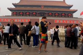 فيديو : شاب امريكي يرقص في الصين لمدة 100 يوم