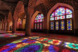 صور : مسجد ناصر الملك في شيراز .. تحفة معمارية