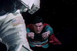 فيديو طريف : دمج احترافي لمشاهد من فيلم سوبرمان وفيلم Gravity