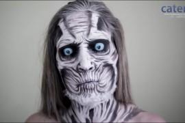 فيديو : فتاة أمريكية ترسم على وجهها وجسدها وتحول نفسها لشخصيات أفلام