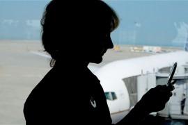 فيديو : امريكا تشدد على المسافرين ويجب أن تكون الهواتف والأجهزة مشحونة وإلا لن تسافر