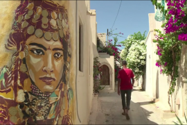 فيديو : فن رسم الشوارع ينتشر في الرياض التونسية القريبة من اقدم معبد يهودي