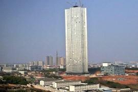 فيديو : شركة صينية تبني برج سكني بارتفاع 240 متر خلال 19 يوم